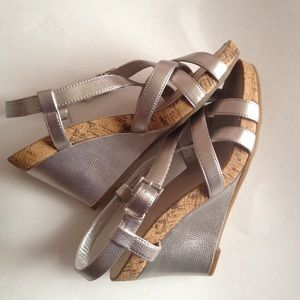 Free size 10 wedge WITH ANY PURCHASE